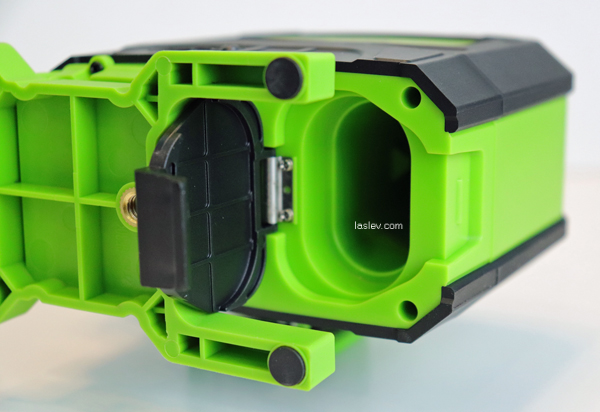 battery compartment 904DG