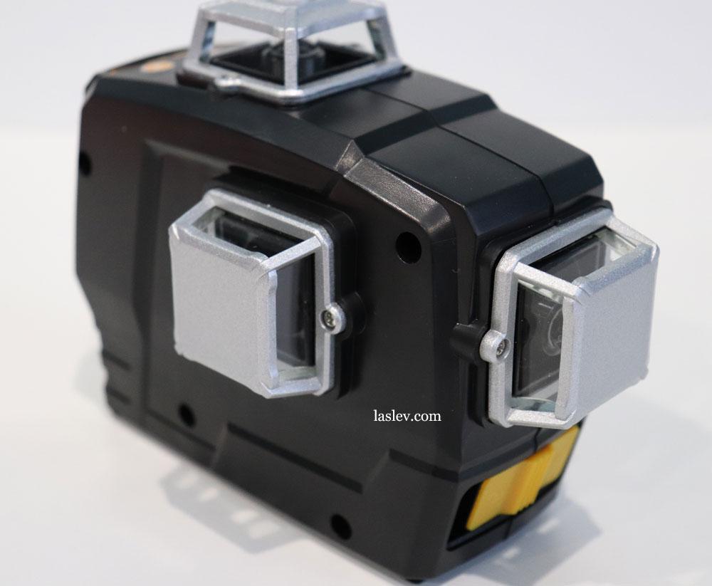 The build quality of the DEKO DKLL12PB1 laser level housing.
