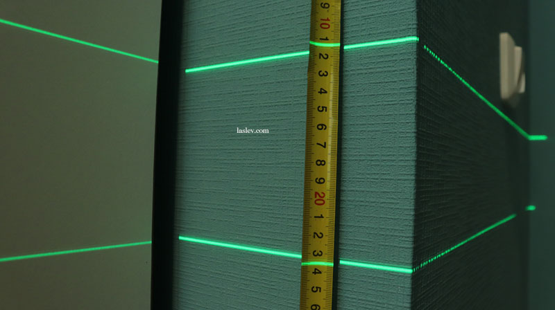 The thickness of the laser lines at the Zokoun IE16R laser level is 5 meters.