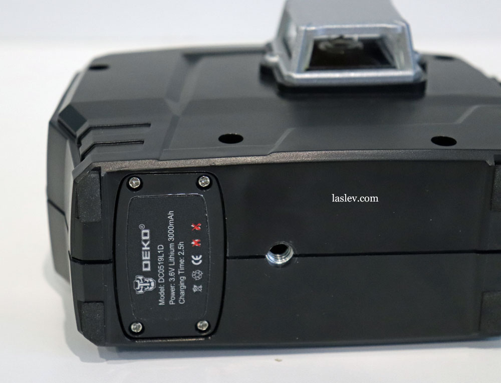 The battery is bolted to the bottom by four bolts at the DEKO DKLL12PB1 laser level.