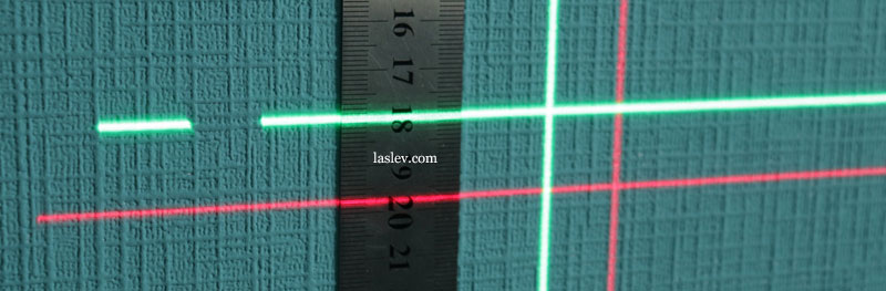 The thickness of the laser lines at the Firecore F113XG and XR laser levels, with a green and red beam at 1m.