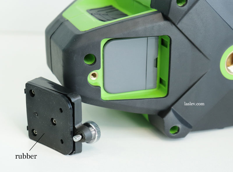 Battery cover for the Huepar DT03CG laser level with a powerful rubber gasket.