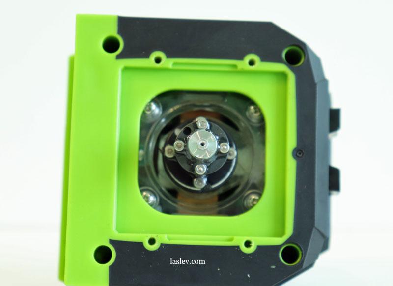 The design of the plummet in the Huepar LS41G laser level.
